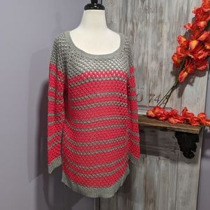 American Eagle gray/pink open-weave sweater
